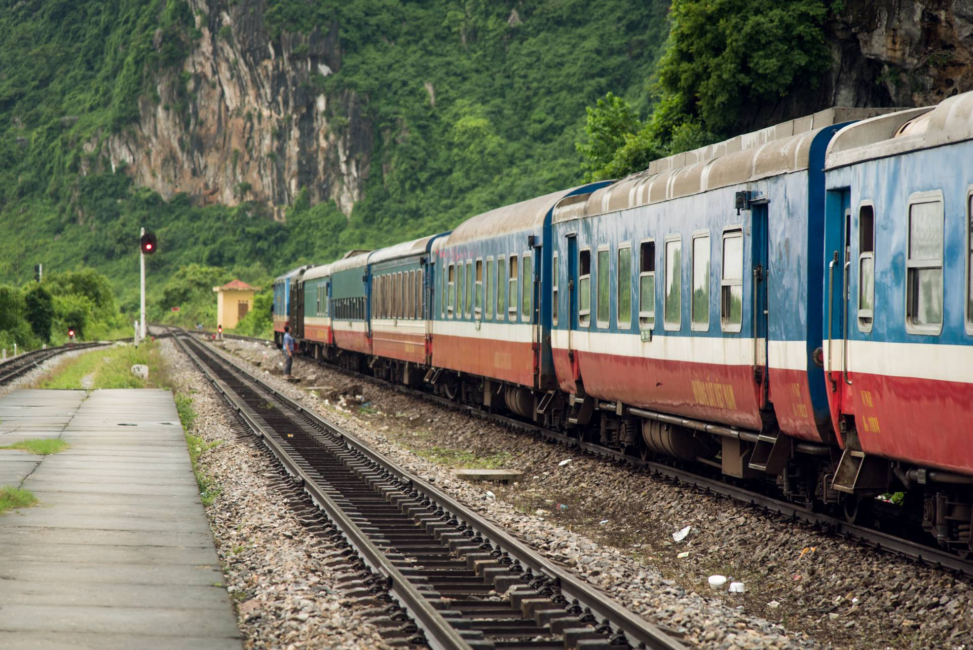 Vietnam train travel - Auste Vidmantas